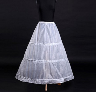 Three laps of bridal skirt, pettiskirt lined with 3 steel, 3 laps of wedding dress support in the studio, Cos costume petticoat
