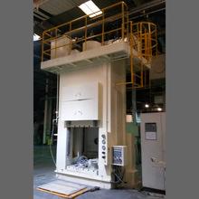 生产厂家:100t龙门式液压机裁切压制成型框架油压机双柱压力机