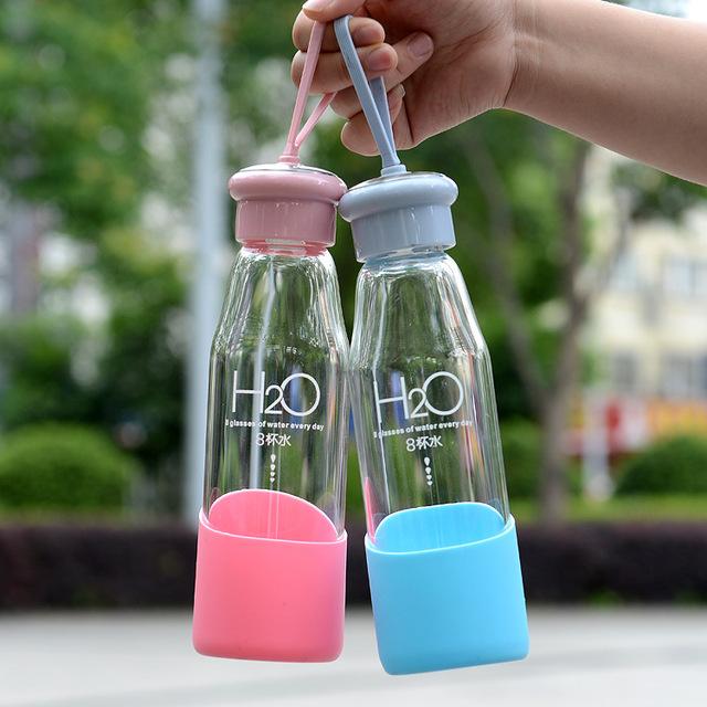 可爱卡通创意玻璃杯便携女士学生防滑橡胶套玻璃水杯提绳批发定制