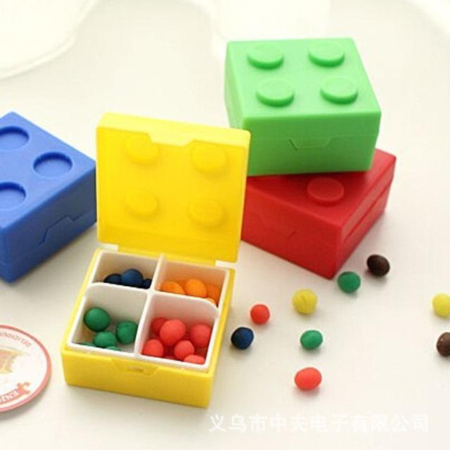 创意四格积木药盒 便携式糖果色塑料药盒 迷你乐高积木盒子