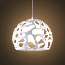 现代简约吧台led镂空小脚丫吊灯创意圆形个性餐厅桌单头树脂吊灯