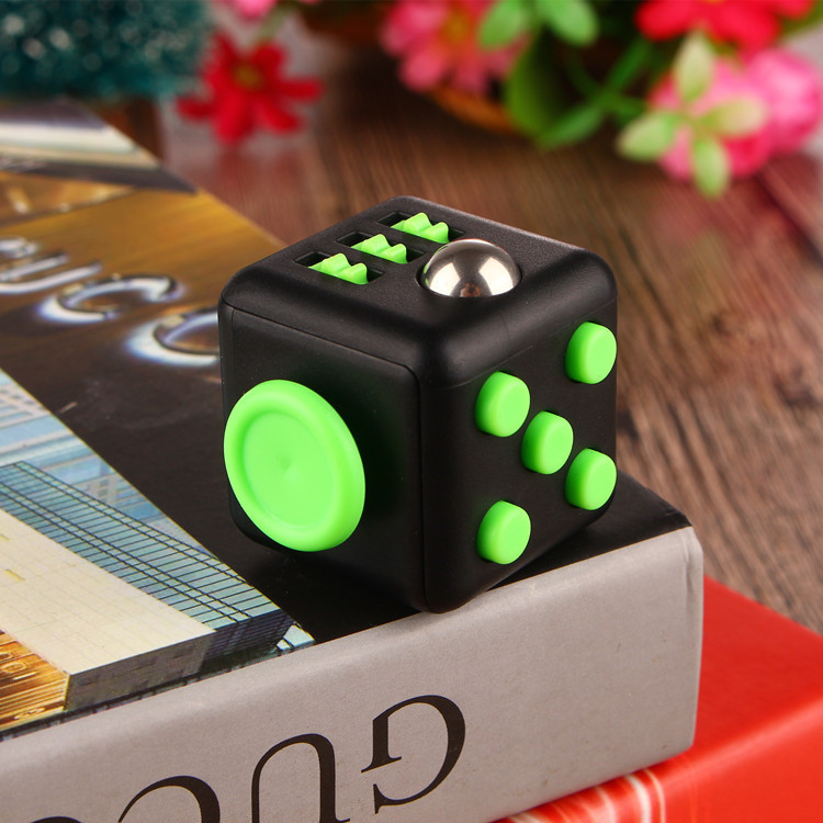 2017 New Fid Cube Camouflage Fid Spinner the World s First