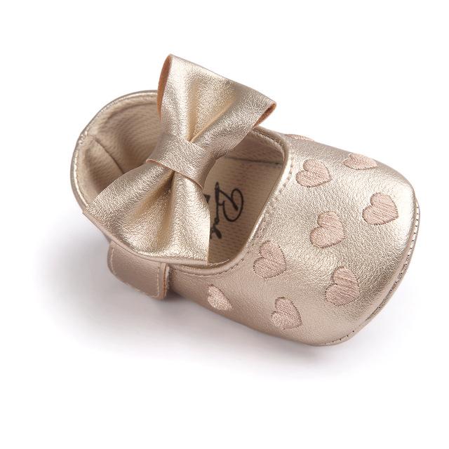 Ngoại thương thêu một trái tim bé giày 0-1 tuổi đế mềm chống trượt giày bé đế mềm Giày đế mềm 0047 Giày em bé