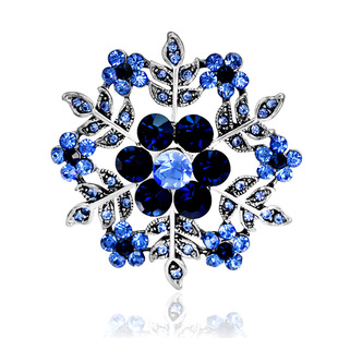 European and American creative new brooch, alloy hollow snowflake retro corsage, clothing accessories
