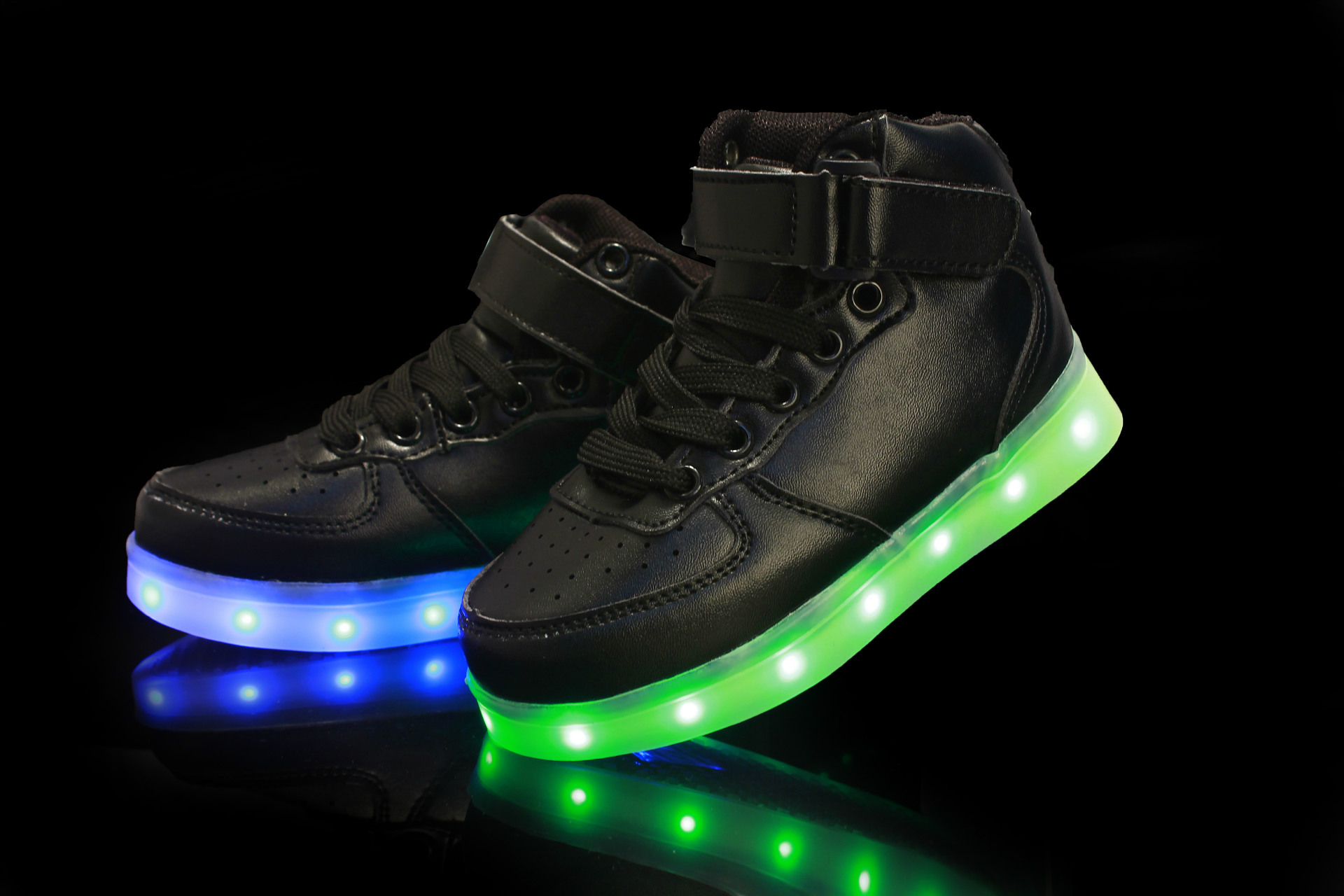 fc08a7cc3ebb Kids Gift Children Boys Girls 7 LED Light Up Casual Shoes USB ...