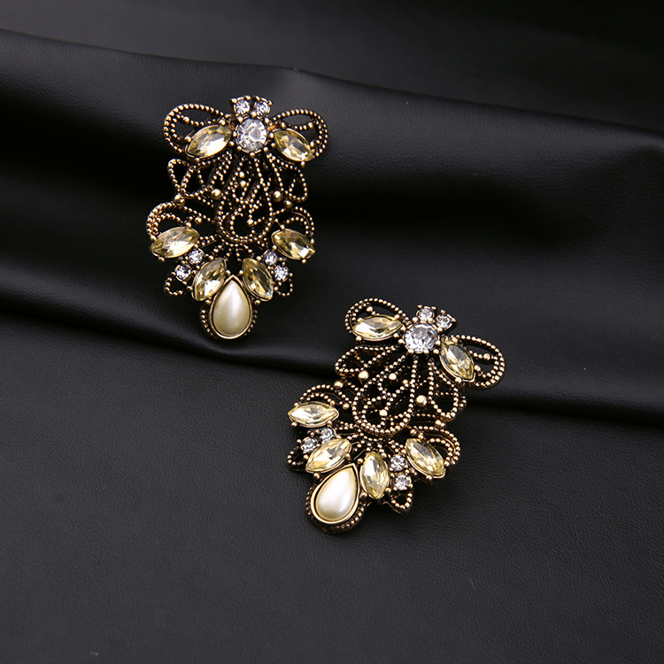 Fashion ear jewelry with diamonds generous simple and noble female earrings NHQD175445