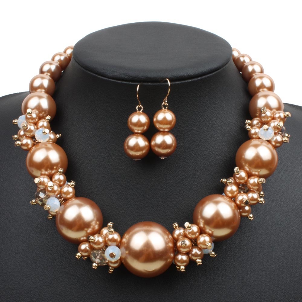 Fashion PearlNecklaceGeometric (Gold)NHCT0191-Gold