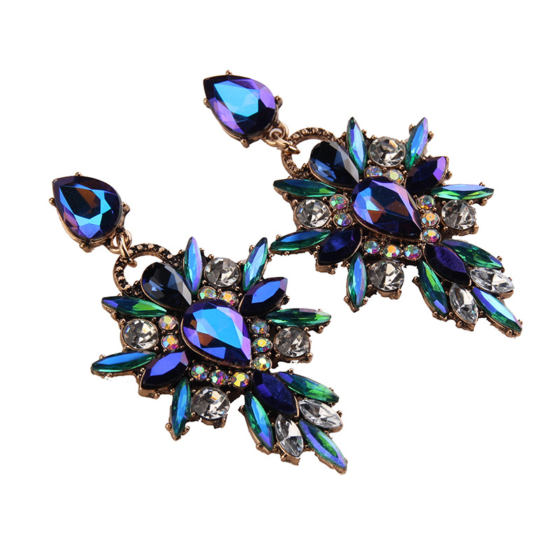 Exaggerated jewelry fashion exquisite minimalist glitter crystal glass earrings women's earrings wholesale NHJQ195438