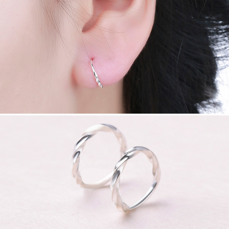Star with the money metal plating earring (Outside diameter 10mm twist 1 pair)NHIM0662-Outside diameter 10mm twist 1 pair