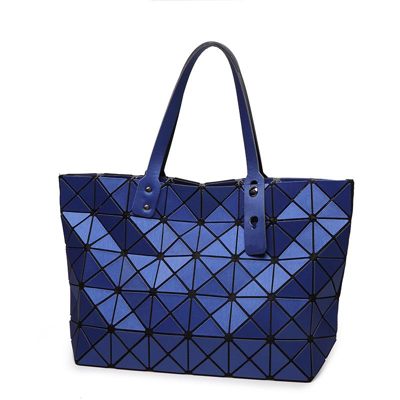 2019新款日韩时尚新品哑光7X8磨砂几何折叠菱格包单肩手提包代发
