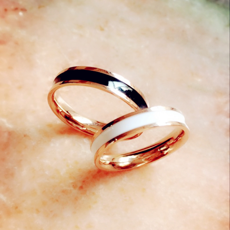 New 18k rose gold fashion black and white drip oil drip rubber ring for women NHIM199963