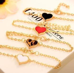Korean style fresh jewelry white four-leaf clover peach heart love bracelet bracelet Yiwu Small Commodities Wholesale E054