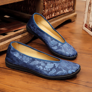 The old dragon brocade in shoes and casual shoes with Buddhist monks Kung Fu pedal male injection soft bottom shoes