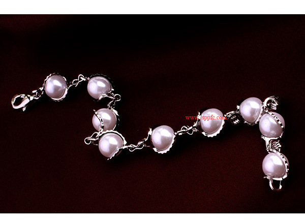 European and American fashion high-end imitation pearl alloy bracelet NHLJ152938