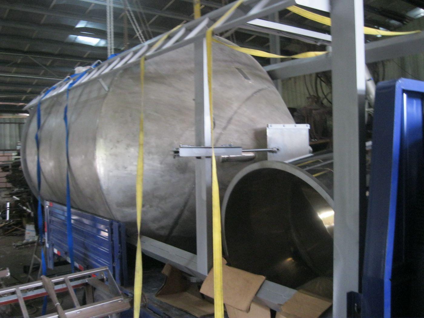 不锈钢大型储料桶