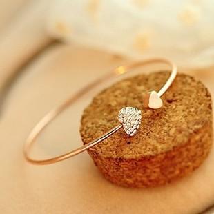 Cross-border new Korean jewelry with diamond heart-shaped double peach heart love crystal bracelet open gold-plated bracelet E027