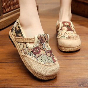 Easy to wear ethnic women comfortable and non slip breathable cotton hemp bear shoes