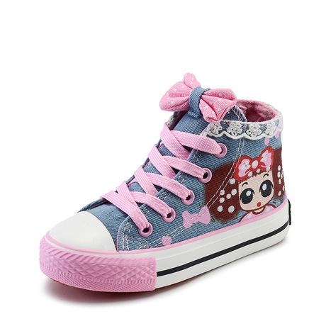 Một đôi giày vải cô gái Hugh 2019 Giày công chúa mùa xuân Ren cô gái Giày đơn Giày trung bình Giày trẻ em Bán buôn Giày vải trẻ em
