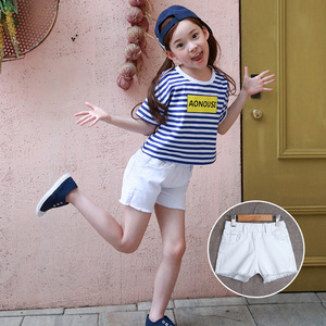 The child of 2017 new summer Korean children girls wholesale jeans casual shorts shorts on behalf of A263