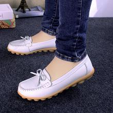 Mùa xuân và mùa hè phẳng với giày mẹ Giày nữ chống trượt giữa và cũ Giày da bình thường cỡ lớn Giày đế bằng thời trang Giày mẹ