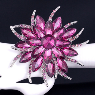 European and American hot style glass rhinestone brooch Korean hot style alloy crystal corsage manufacturers supply bouquet accessories