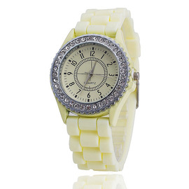 With diamond silicone Geneva men and women watch trend small fresh candy color student quartz watch