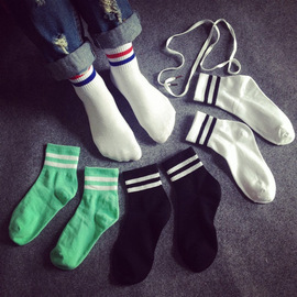Korea two bars cotton student socks two bars white college wind couple sports cotton socks