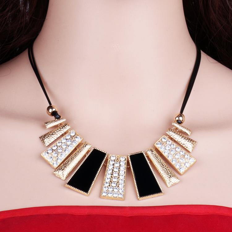 新款欧美项链 韩国时尚夸张板材短款锁骨链  女梯形配饰特价批发