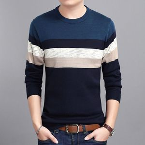 Middle-aged men's winter round collar and cashmere jacquard sweater fashion man long sleeved warm knitted sweater