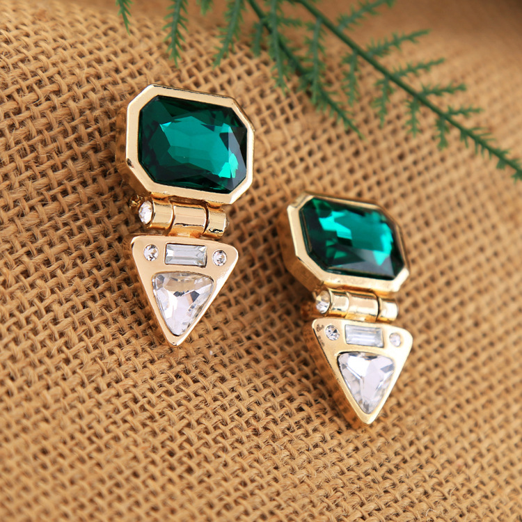 Occident and the United States alloy Diamond earring NHQD3981