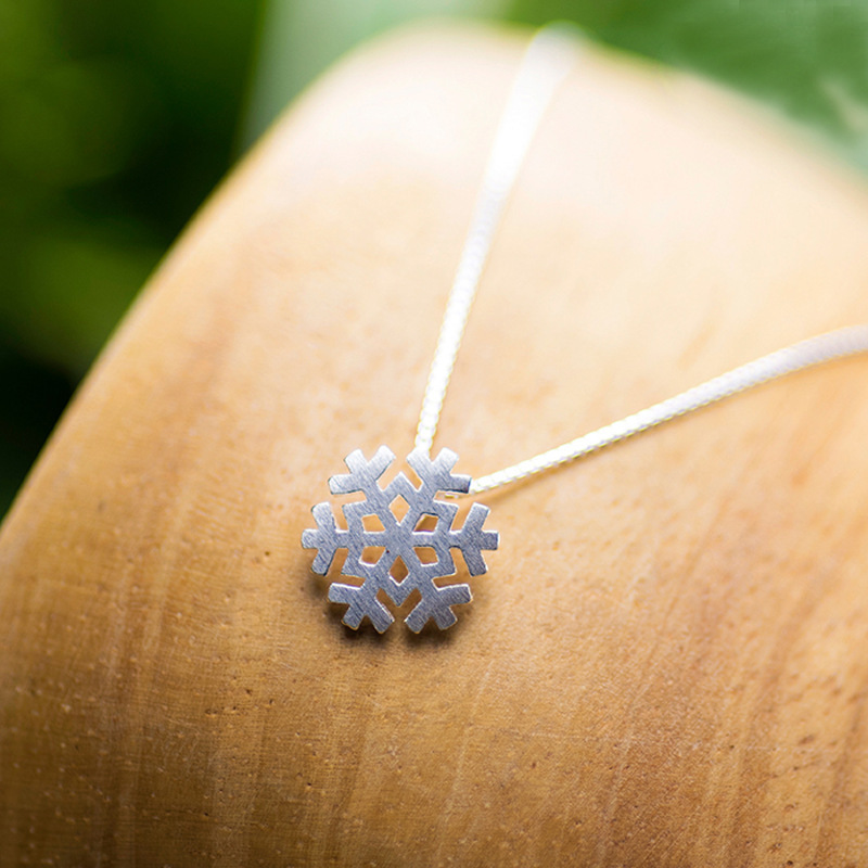 s925 sterling silver snowflake necklace short clavicle chain snowflake pendant necklace NHCU186574