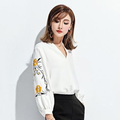 2018春季新款精品女装韩版花朵灯笼袖V领长袖上衣绣花雪纺衬衫女