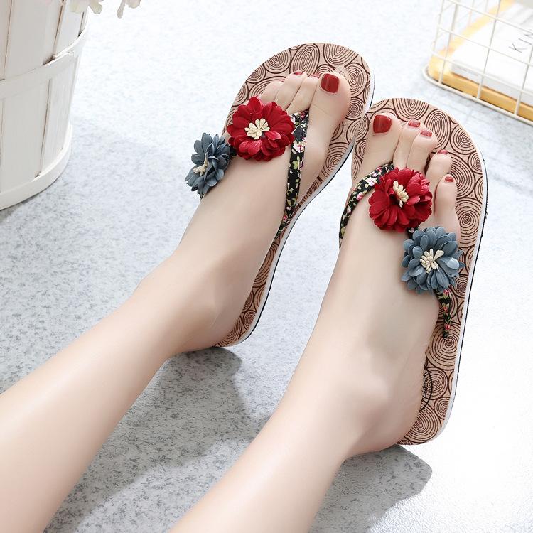 欧洲外贸夏款橡塑底slippers人字拖女士凉鞋时尚平底沙滩拖鞋外穿