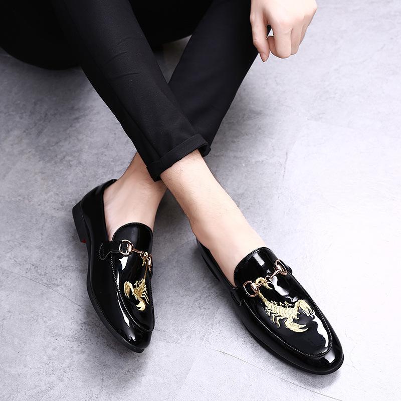 亚马逊 wish LAZADA小皮鞋男个性刺绣潮男鞋休闲男鞋淘宝一件代发