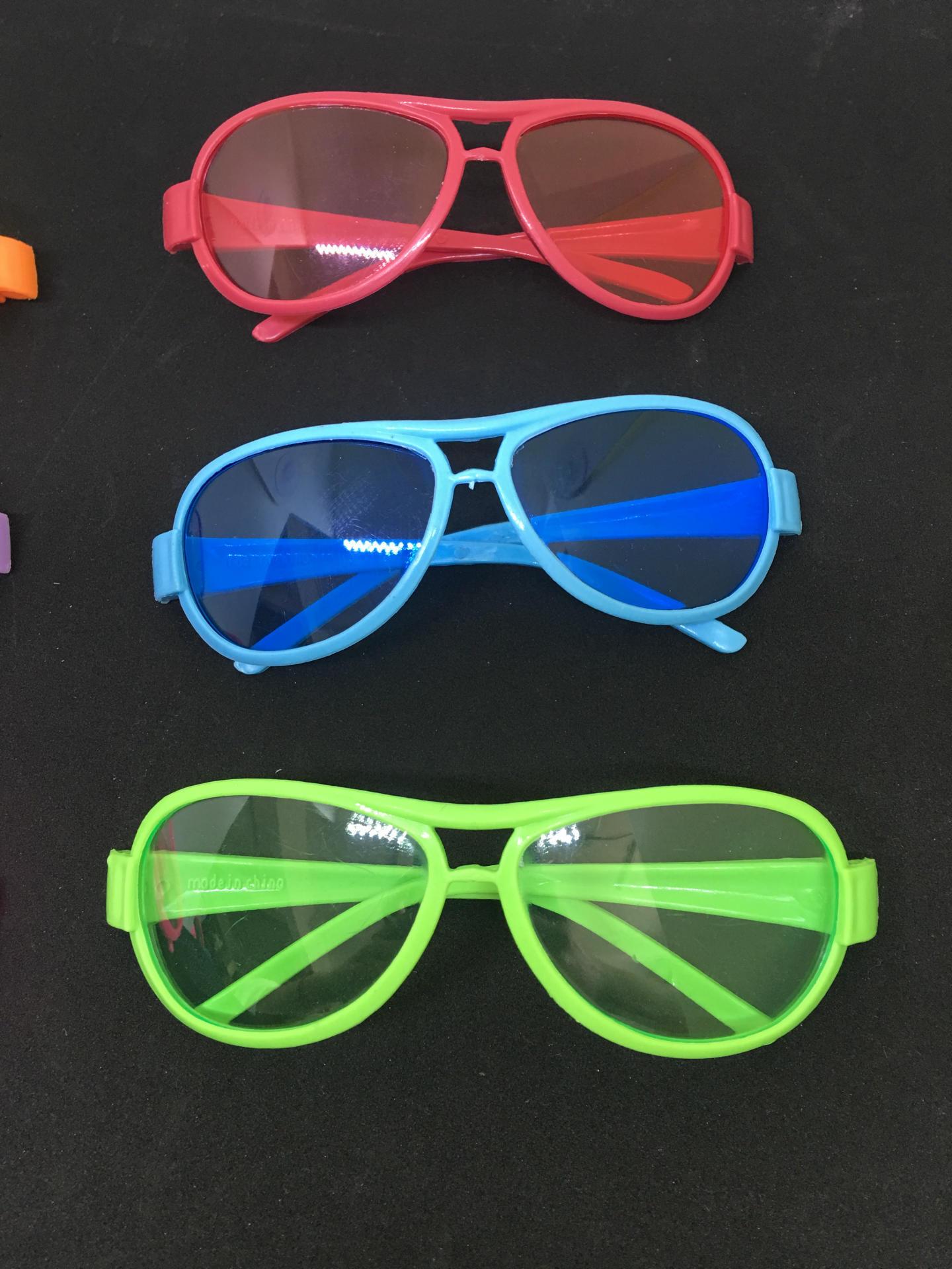 跨境專供兒童玩具裝扮太陽眼鏡兩元店地攤貨小雷朋款兒童墨鏡
