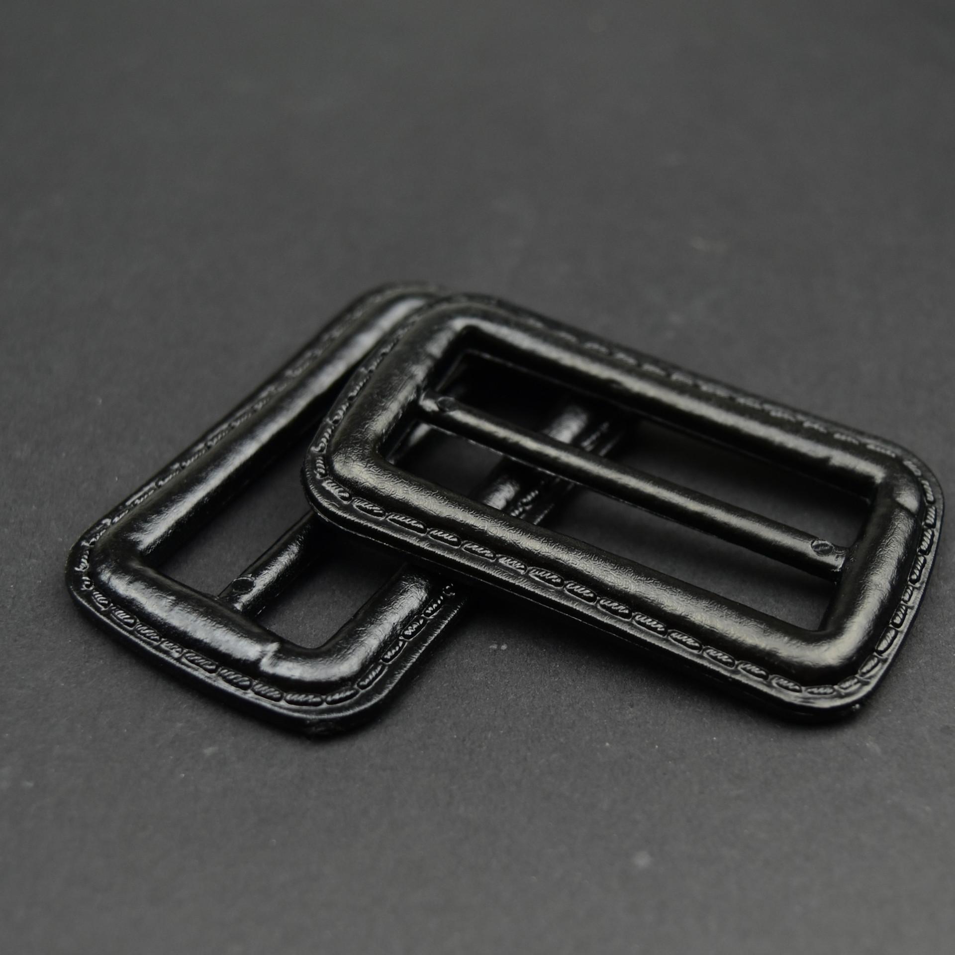 厂家直销仿皮三档扣塑料腰扣女装风衣大衣腰带衣袖腰扣现货