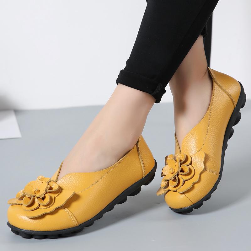 2021秋冬款牛皮花朵妈妈鞋舒适豆豆女鞋平底四季平底鞋跨境女单鞋
