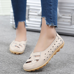 Summer flat middle-aged and elderly sandals hollow shoes women's shoes white nurse shoes mother shoes hole shoes women sandals