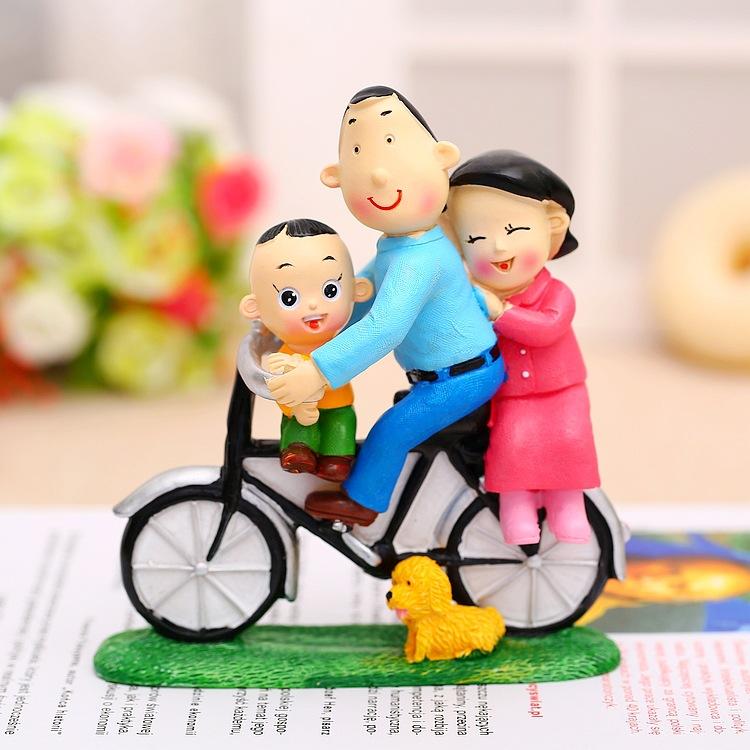 厂家批发新款热销幸福单车一家三口树脂工艺品 家居装饰摆件