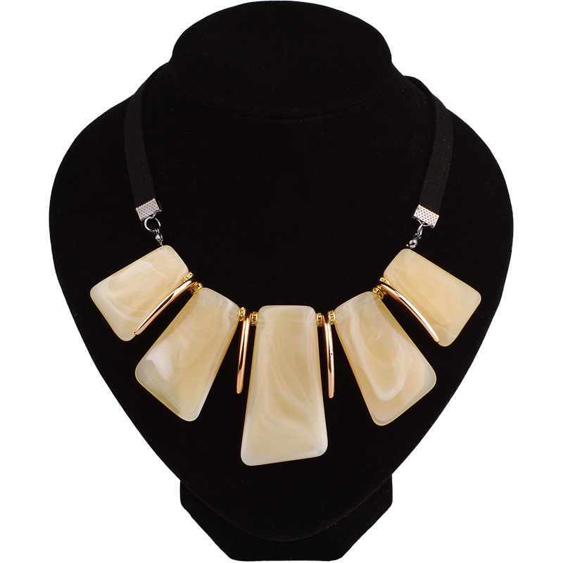 Occident and the United States Resinnecklace (Beige)NHQQ0268-Beige