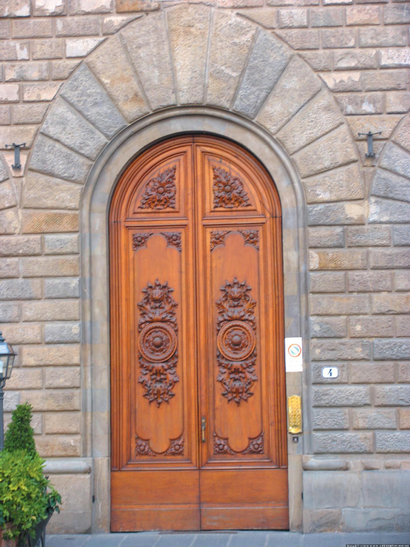 罗曼斯安防一手掌握|罗曼斯智能铸铝门怎么联系?