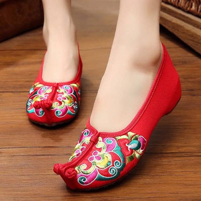 Women's Chinese folk dance shoes Embroidered hanfu shoes fairy performance shoes