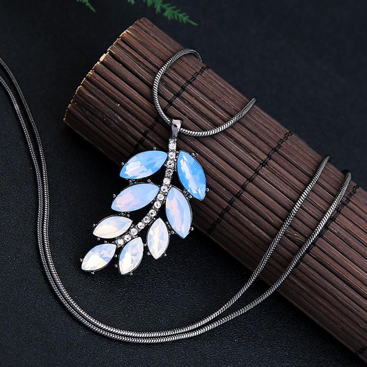 Fashion Trendy Gradient Crystal Olive Branch Pendant Women's Long Sweater Necklace wholesales fashion NHQD181785