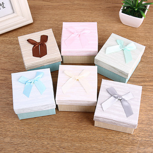 2021 spot creative imitation wood grain watch box exquisite bow tie jewelry packaging box paper watch box can be customized