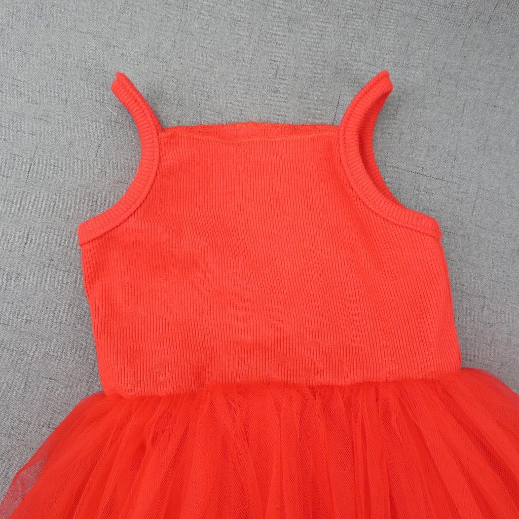Pidulikud tüdrukute kleidid
