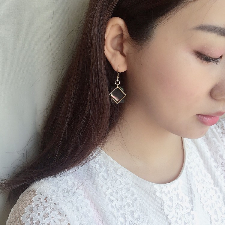 Star with the money crystal plating earring (A pair of gold)NHIM0699-A pair of gold