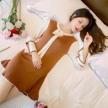Đầm len nữ thời trang, kiểu dáng tay loe, thiết kế đuôi cá xinh xắn