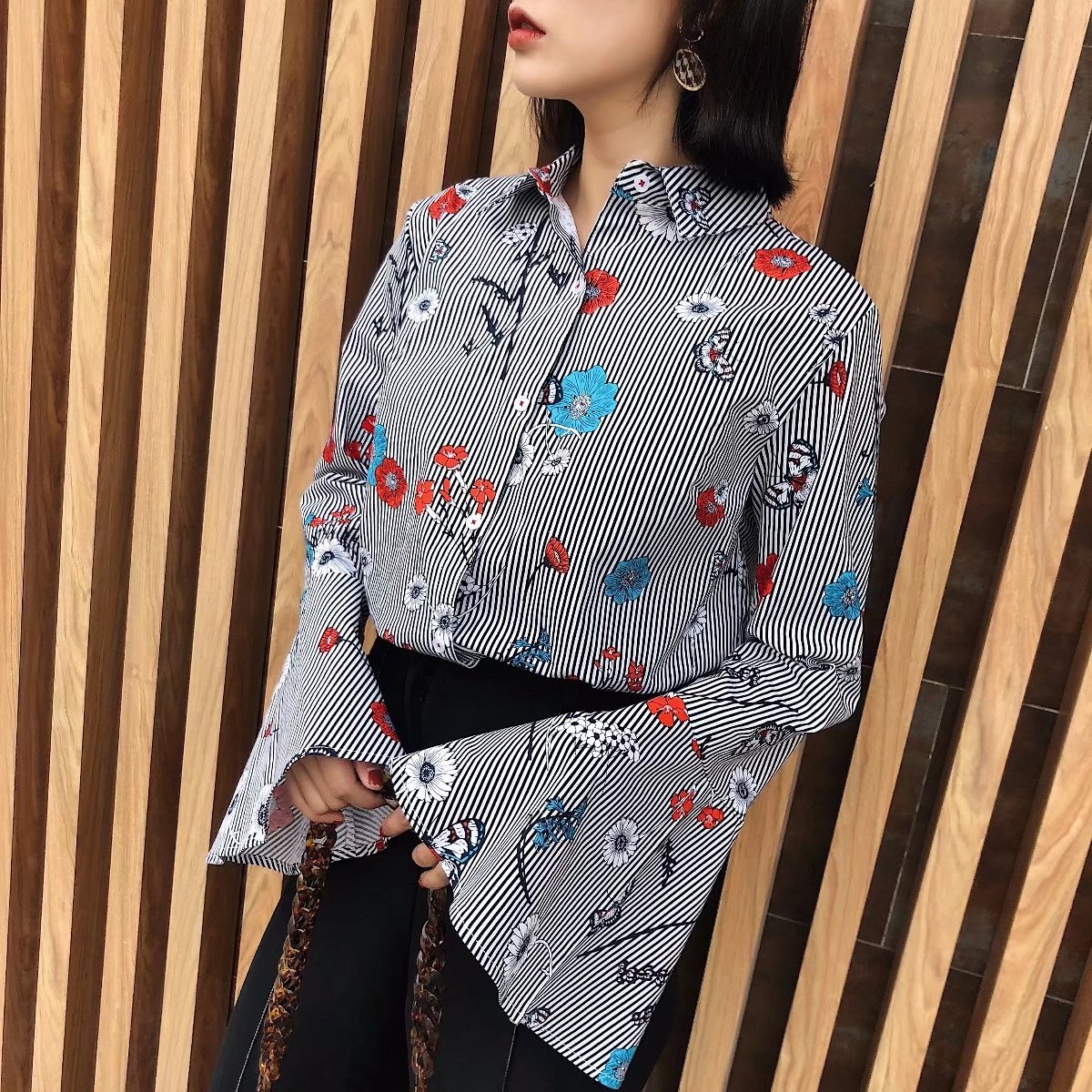 Sexy & Party Chiffon  shirt  (Picture color -S)  NHAM1443-Picture color -S