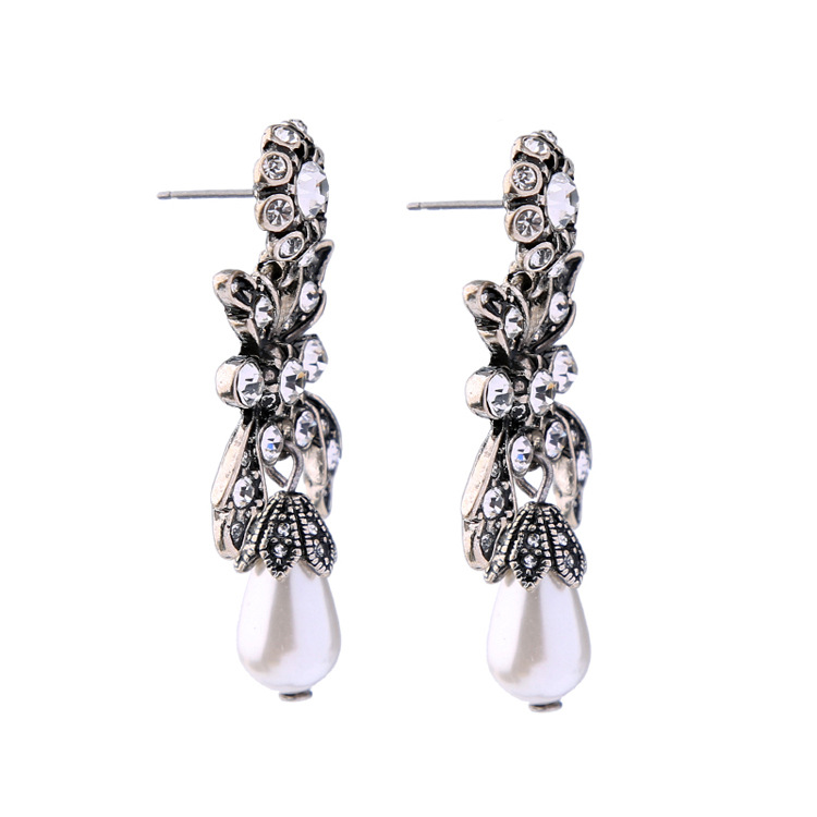 Occident and the United States alloy Diamond earring NHQD3986