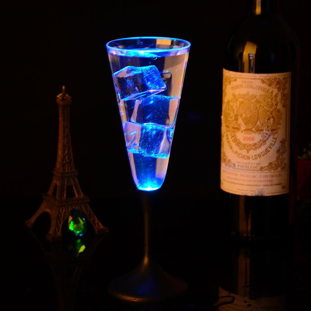厂家直销批发闪光LED高脚杯 酒吧KTV发光杯幻彩礼品PS塑料香槟杯